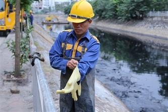 Nạo vét sông Tô Lịch - Công việc đầy rẫy khó khăn